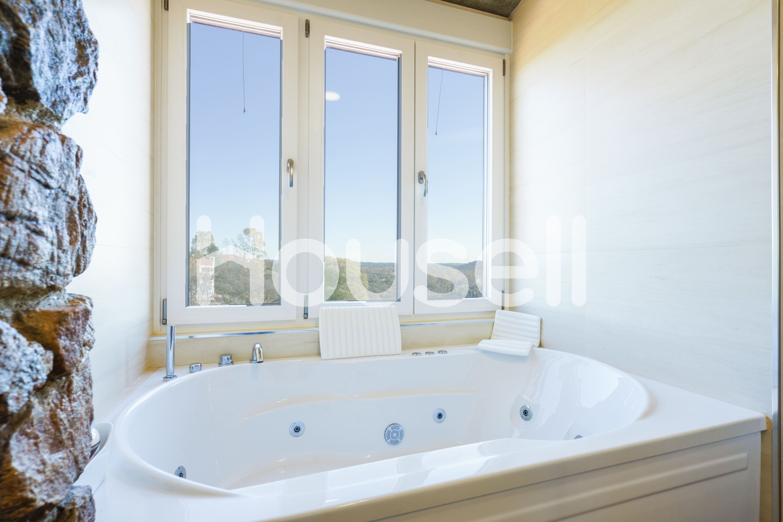Planta baja en venta con 180 m2, 4 dormitorios  en Castilblanco de los